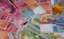 Efectele aprecierii francului elvețian asupra consumatorilor cu credite în această monedă