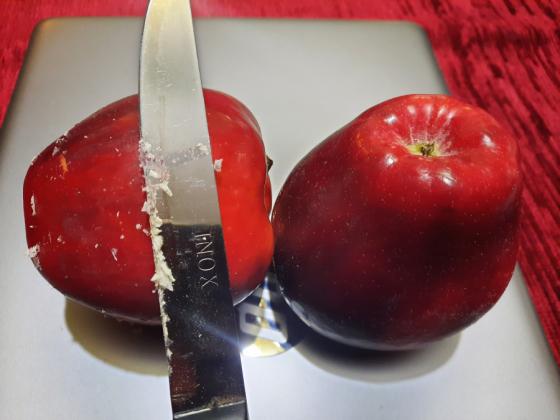 Un măr pe zi ţine doctorul departe, dar un măr ceruit?