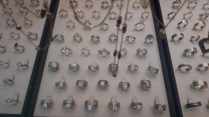 Tot ce trebuie să ştiti despre bijuterii- contrafaceri şi riscuri pentru sănătate!